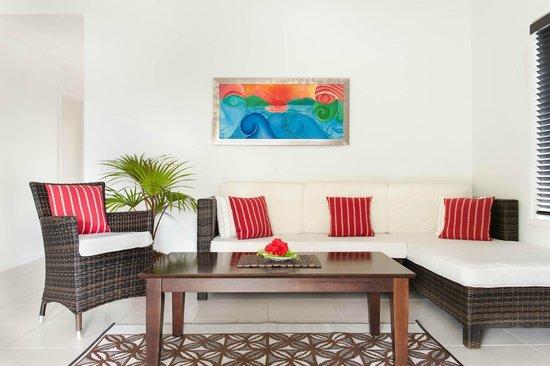 Makayla Palms: Tiana Lounge