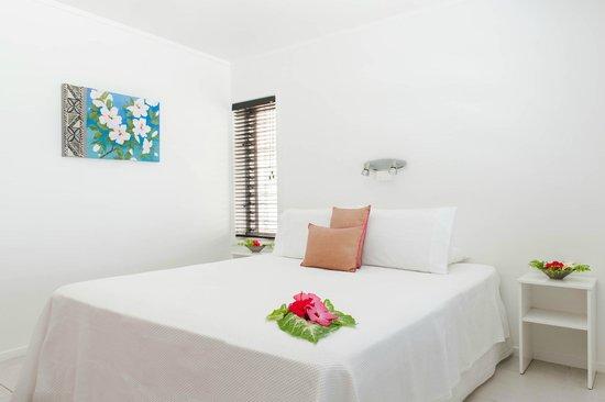 Makayla Palms: Hibiscus bedroom Tiana