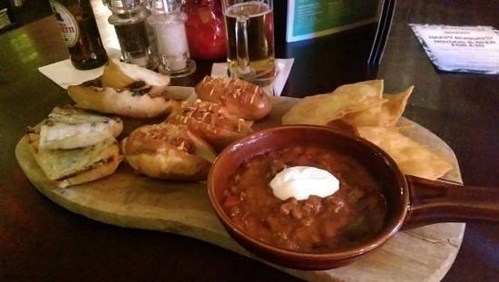 Barlounge: 3 sharing plates for £11. Amazing value
