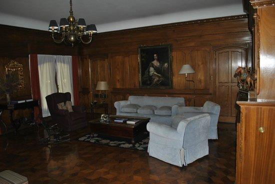 Hotel Solar de la Plaza: Sala de estar en la recepción