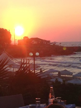 The Island Hotel : View from the dining area - many beautiful sunsets