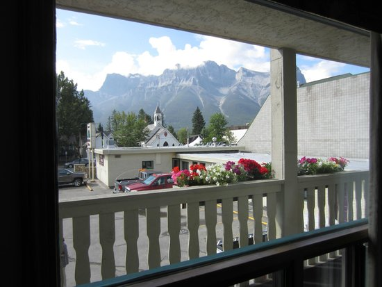 Bow Valley Motel: beautiful view from 2nd floor
