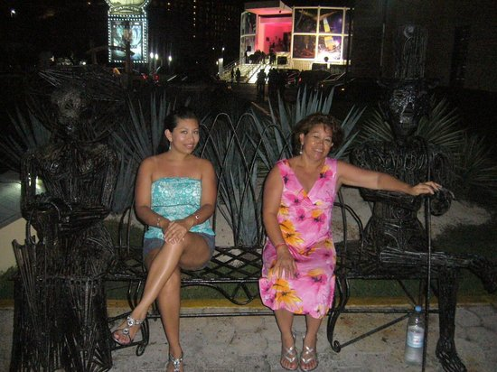Hotel Riu Caribe : Por la nochecita