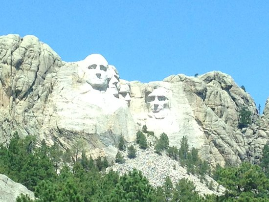Mount Rushmore National Memorial : 1