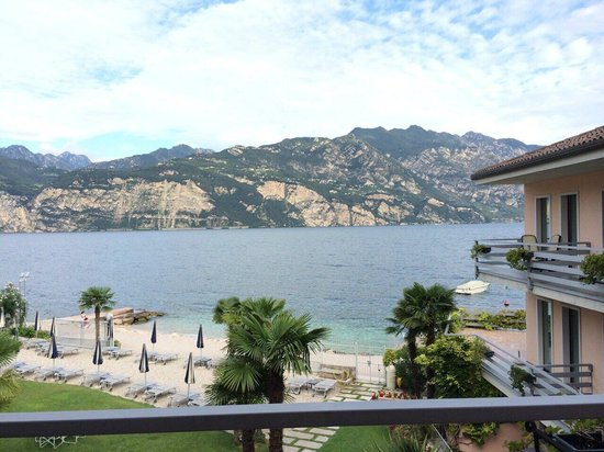 Hotel Castello Lake Front: Вид из номера