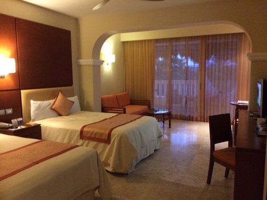 Grand Sunset Princess All Suites Resort: super clean room