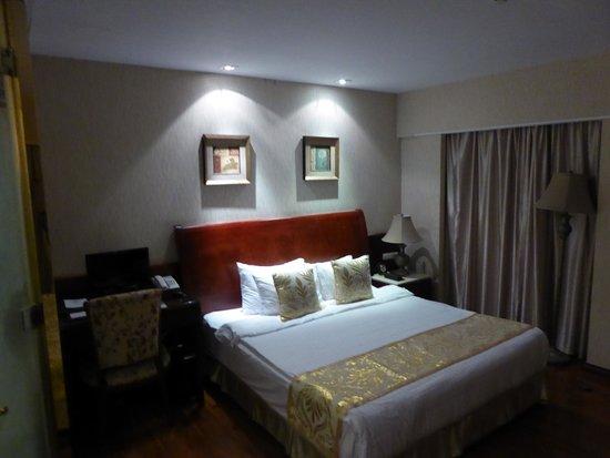 Hanoi Tirant Hotel: Le lit double