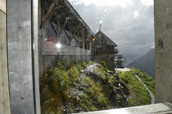 Hotel Alyeska: 7 Glaciers restaurant