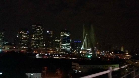 Novotel Sao Paulo Morumbi: Vista do hotel e do restaurante
