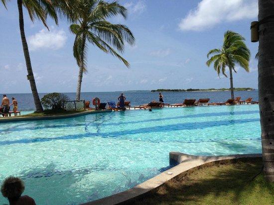Royal Island Resort & Spa: pool