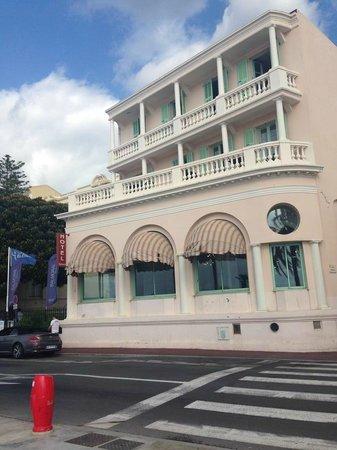 Hotel Balmoral: Facciata lato mare