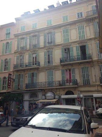 Hotel Balmoral: Facciata lato centro