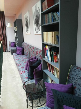 Friday Hotel Prague: Bibliothèque