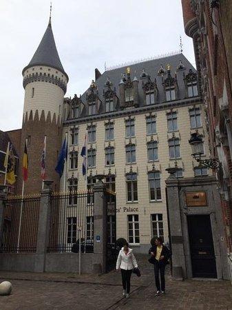 Hotel Dukes' Palace Bruges: facade de l'hôtel