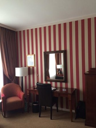 Hotel Dukes' Palace Bruges: chambre de luxe