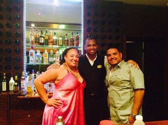 Fishing Lodge Cap Cana: at bar with Ynocencio- All inclusive!