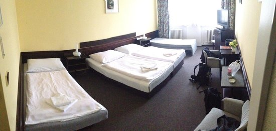 Hotel Labut: Room booked for two persons. No high value interior, but a pretty fair deal for 27€