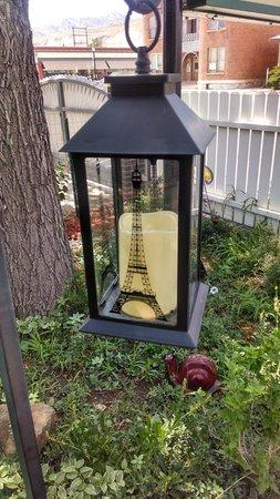 Le Petit Chablis: Lovely outside setting