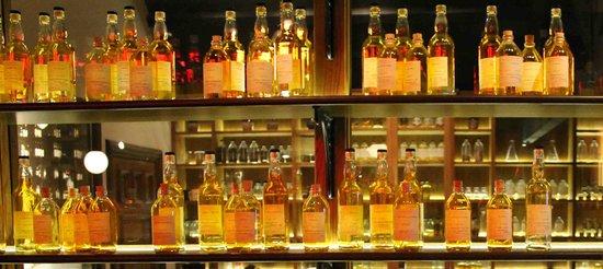 Dewar's Aberfeldy Distillery: The Blending Room