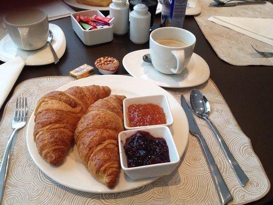 Mercure Brussels Centre Midi: croissant
