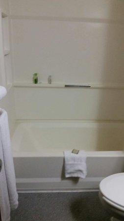 Super 8 Brattleboro: Very clean.