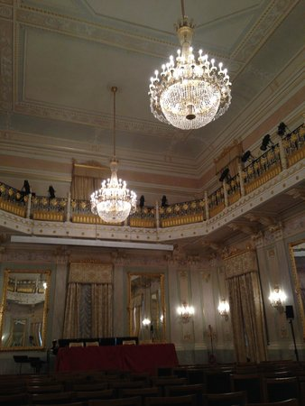 Teatro La Fenice: One of the main side rooms on the tour - spectacular architecture!