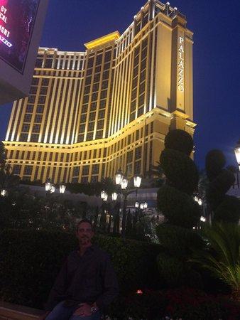 The Palazzo Resort Hotel Casino : Front view of palazzo