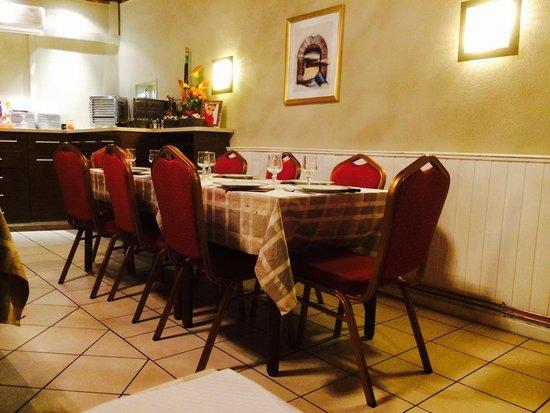 Cadre modeste cuisine inoubliable picture of chez for Cuisine yougoslave