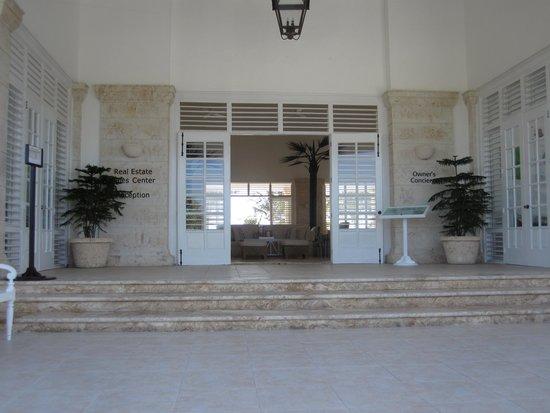 La Cana Golf Course: entrance