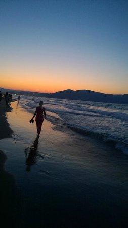Vantaris Beach: пляж, закат