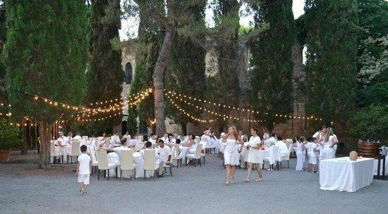 La Badia di Orvieto: White party