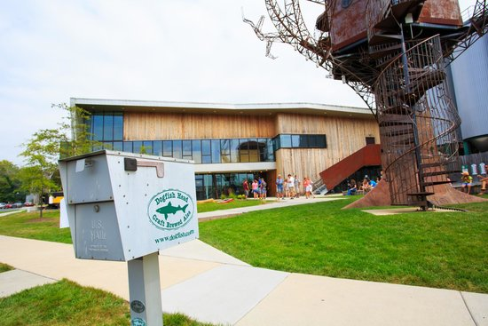 Dogfish Head Craft Brewery : Entrance