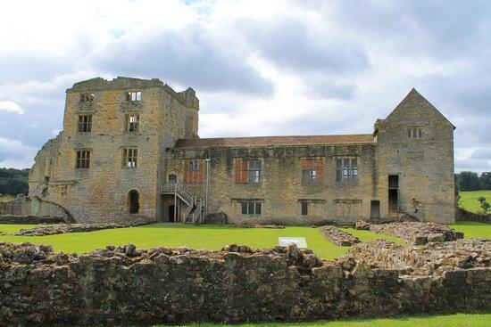 Helmsley Castle: 14th Century West Range