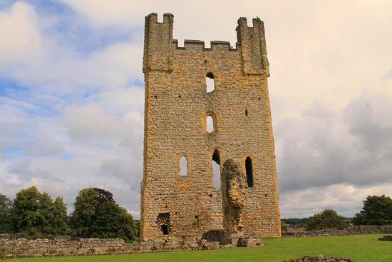 Helmsley Castle: East Tower