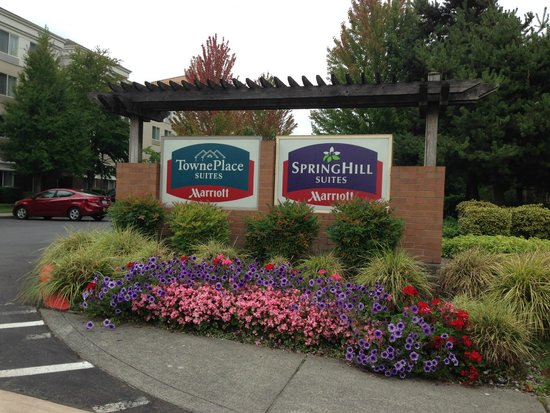 SpringHill Suites Seattle South/Renton: Entrance