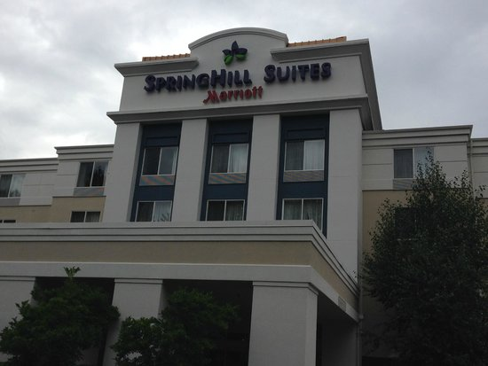 SpringHill Suites Seattle South/Renton: Exterior of hotel