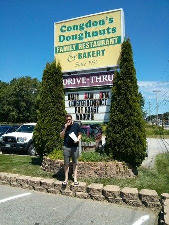 Congdon's Doughnuts: Yum!
