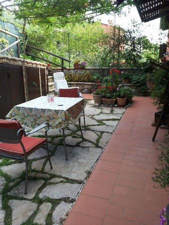 Bed and Breakfast Cenerente: Giardino indipendente