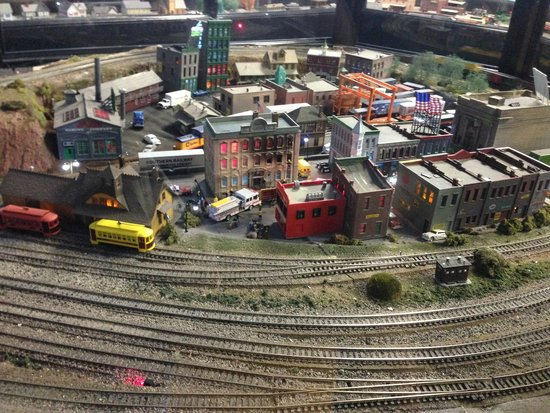 The Kruger Street Toy & Train Museum: Amazing model trains - all running