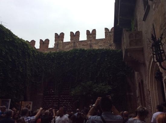 Casa di Giulietta: балкон
