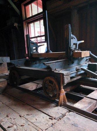 Moulin seigneurial de Pointe-du-Lac : Rail de la scierie