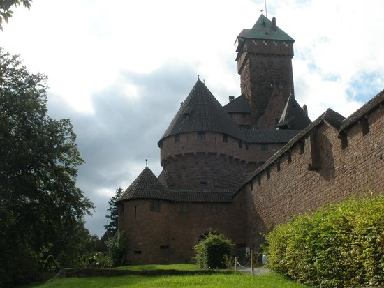 Château du Haut-Koenigsbourg : summer bliss in a fairy tale setting