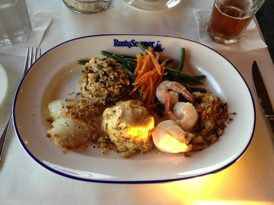 Rusty Scupper : Broiled Seafood Platter