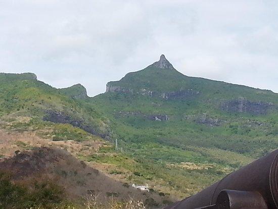 Citadelle de Port-Louis : la vue face de la citadelles