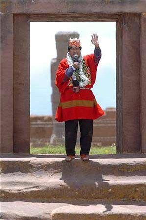 Evo Morales y su toma presidencial en Tiwanaku