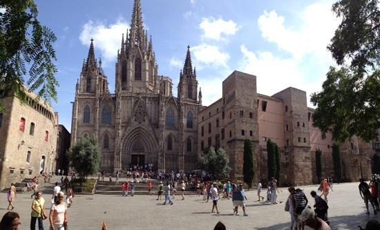 Hostal Martinval: Cattedrale Gotica