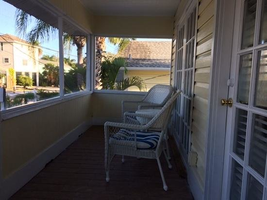 Bungalow Beach Resort: Front Porch View of Unit 115