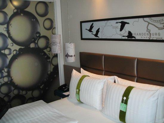 Holiday Inn Berlin - City East Side: Берлинская стена в 50 м от отеля