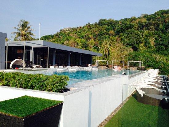 فوتو هوتل: Vue magnifique sur la piscine
