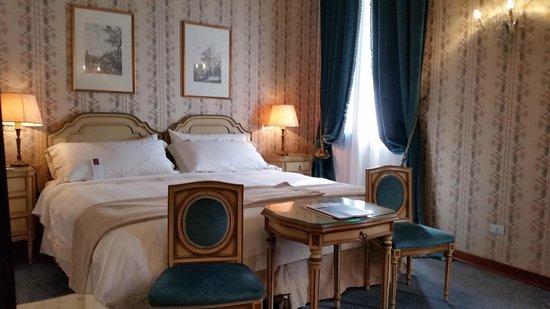 Hotel Danieli, A Luxury Collection Hotel: Camera deluxe, semplice ed elegante, e molto silenziosa...